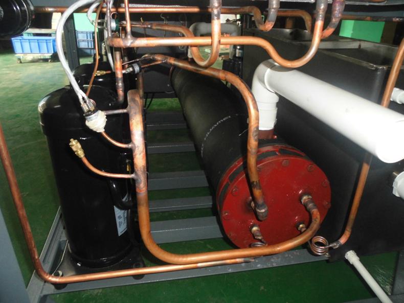 风冷式冷水机部分管道图